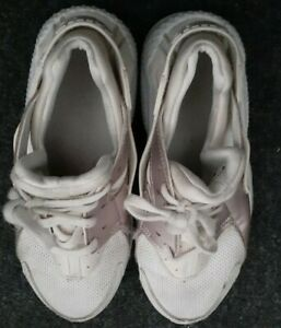 Girls Nike Shoes Size 1y $16.99