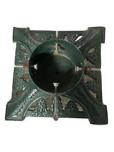 VINTAGE CAST IRON CHRISTMAS TREE HOLDER BASE STAND 14� Square $38.00