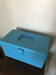 VINTAGE Sewing Box Wil Hold Blue Plastic Wilson USA $9.00