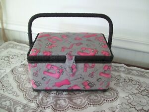 Singer Sewing Basket With Sewing items Free shipping $29.99