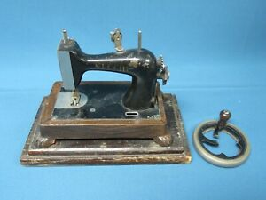 Vintage Necchi Heavy Cast Iron Miniature Toy Sewing Machine Made in Italy $49.99