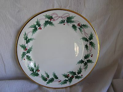 Mikasa Ribbon Holly CAF03 Japan Red Berries Gold Trim Bread Plate Dish Retired