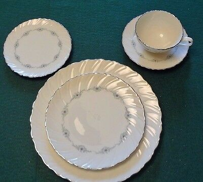 LENOX MUSETTE 5 PIECE PLACE SETTING 7 AVAILABLE
