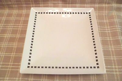 Mikasa  Viewpoint White 11Square ServingDinner Plate Plate Brand New Mint