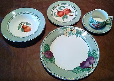 Victoria Beale LAmour Place Setting 5 Piece Pattern 9040