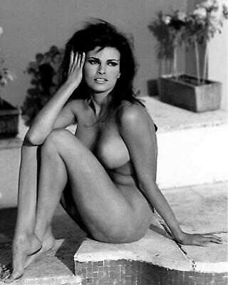 Sexy Smoking Hot Vintage Pinup Raquel Welch Very Sexy 8 x 10