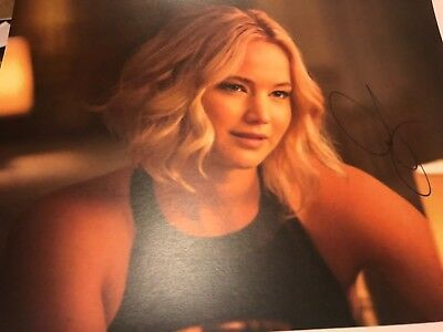 JENNIFER LAWRENCE SO HOT SEXY SIGNED WITH TAMPER PROOF HOLOGRAM - COA AUTO