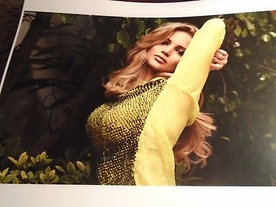 JENNIFER LAWRENCE   SULTRY  SIGNED W TAMPER PROOF HOLOGRAM - COA AUTO AUTOGRAPH