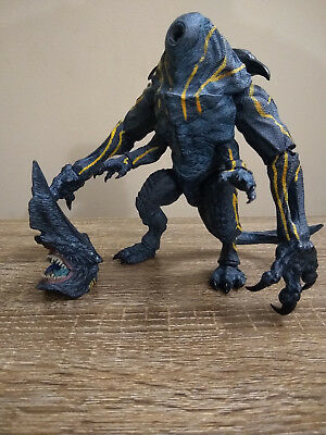 Neca Pacific Rim Ultra Deluxe Knifehead Series 3 Clean Version 7 Broken Used