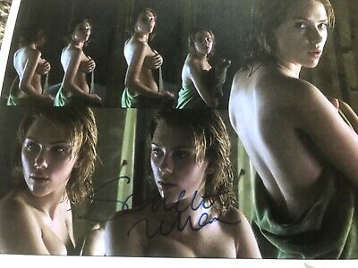 SCARLETT JOHANSSON TOPLESS SIGNED WITH TAMPER PROOF HOLOGRAM - COA AUTO