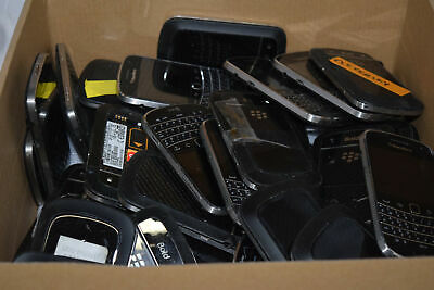 BLACKBERRY BOLD 9900 LOT OF 40 UNTESTED SOME MISSING BACK COVER AND BATTERY