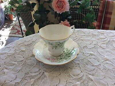 ROYAL ALBERT HAWTHORN-FRIENDSHIP SERIESCUP - SAUCER-FLOWER OF THE MONTH