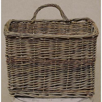 NEW Rustic Country Farmhouse Large Hanging Natural Willow Wicker Wall Basket