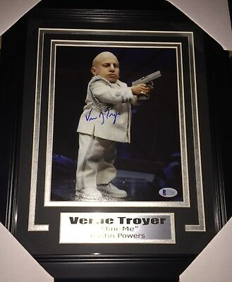 Verne Troyer Mini Me Autographed Signed And Framed 8X10 Photo Beckett Auth BAS