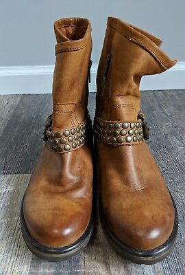 Womens Steve Madden Leather Ankle Boots Light Brown Tan Size 8M Buckle