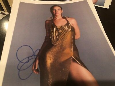 JENNIFER LAWRENCE VERY SEXY   SIGNED WITH TAMPER PROOF HOLOGRAM - COA AUTO