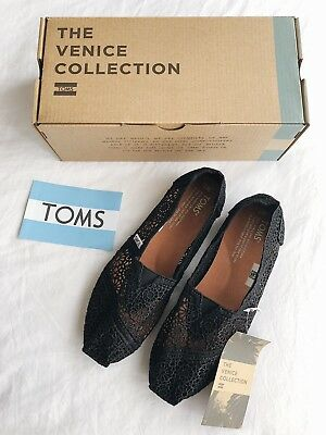 New TOMS Black Moroccan Crochet Classic Slip On Shoes Size 7M 60 NIB
