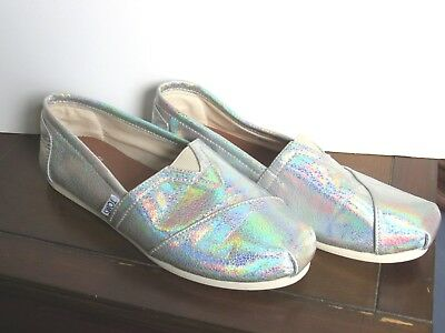 Womens TOMS iridescent bride wedding slip on shoes size 7-5 excellent condition