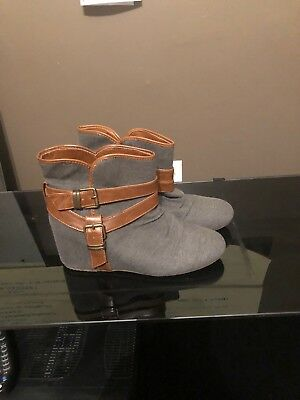 Womens Aldo Booties Shoes Size 10 US Gray Fabric Brown Leather Wedge