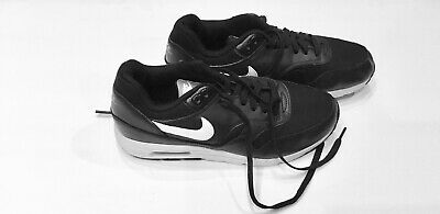 Nike Air Max Black Women's Sneakers Sz9 Great Condition
