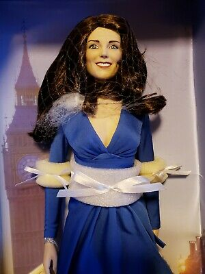 Kate Middleton Engagement Doll - Franklin Mint - 16 NRFB
