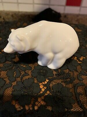 WONDERFUL HUTSCHENREUTHER GERMANY  WHITE PORCELAIN POLAR BEAR FIGURE