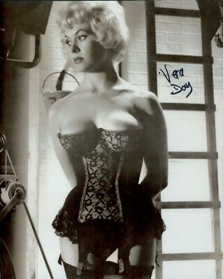 Vera Day autographed 8x10 photo COA