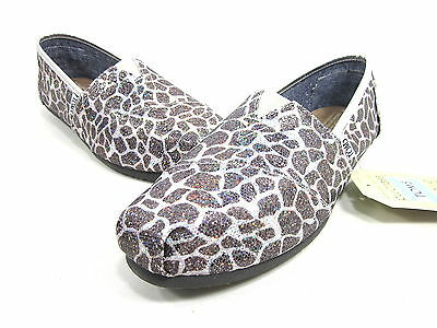 TOMS CLASSICS GIRAFFE GLITTER WOMENS CANVAS SHOES US SIZE 7 M NEW