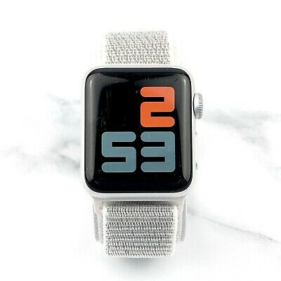 Apple Watch Series 3 38mm Silver Aluminium with Silver Nylon Loop GPS