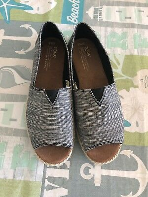 Womens Toms Shoes Size 9-5 W
