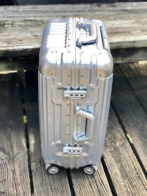 20 Aluminum Frame Waterproof Carry On Silver Luggage Case Spinner TSA Approved