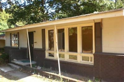 relisted  non payer  residential home corner lot in jackson MS-  NO RESERVE