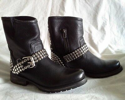 STEVE MADDEN Frankie Studded Riding Ankle Boot Leather Black Flat 7- Pre-OWNED