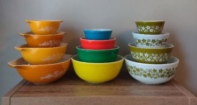Pyrex Bowl Display Stands Supports - Now for Cinderella too No Bowls included