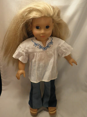 2011 18 AMERICAN GIRL DOLL WITH LONG BLONDE HAIR AND BROWN EYES