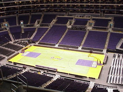 2 Tickets - Los Angeles Lakers vs- Sacramento Kings 412018 Sec- 333