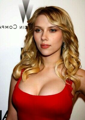 Scarlett Johansson Dressed In Red 8x10 Photo Picture Print