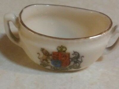 Tiny 2 Handled Cup Et Mon Motto of the Monarch of Great Britain