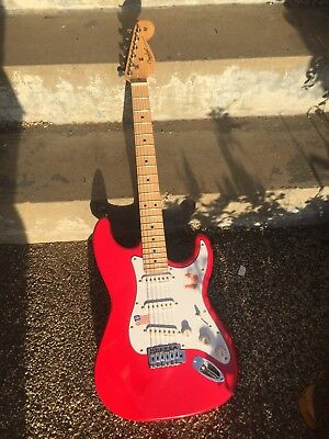 2009 Fender USA stratocaster red american EXCELLENT shape