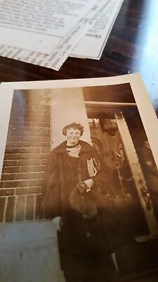 Amelia Earhart signature in 1933 1st edition Girl Scout Handbook-