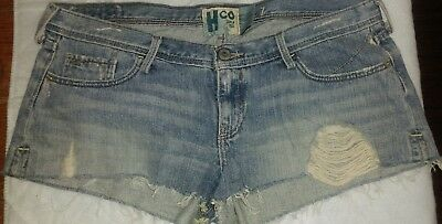 Hollister co since 1922 size 7 cutoff distressed look shorts
