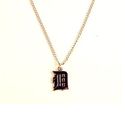 DETROIT TIGERS - Logo Pendant  Necklace with Chain - FREE U-S- Shipping