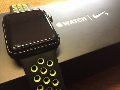 Apple Watch Nike- 42mm Aluminum Case BlackVolt Sport Band - MP0A2LLA