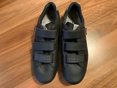 Shimano SH-RT5 SPD Bicycle Touring Shoes Black size 44 - with cleats