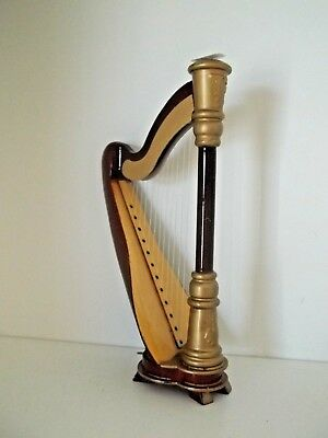 BEAUTIFUL HARP FOR THE MUSICIAN IN YOUR DOLL HOUSE  - DOLL HOUSE MINIATURE