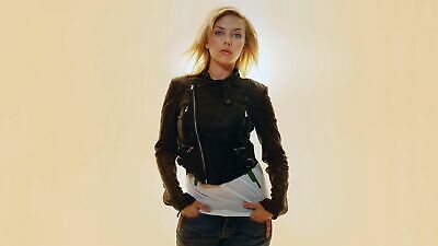 Scarlett Johansson With Your Hands In Your Pocket 8x10 Picture Celebrity Print