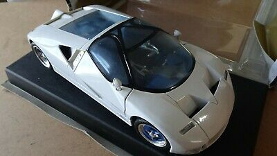 Maisto 118 special edition cars Ford GT90 White