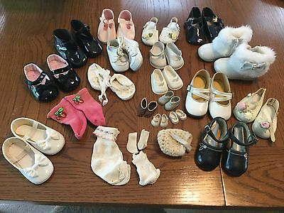 LOT OF VINTAGE DOLL BABY SHOES SOCKS