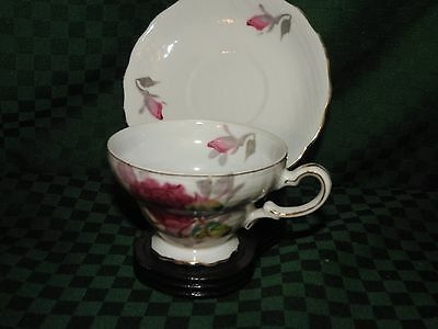 TEACUP - SAUCER  VINTAGE ROYAL SEALY JAPAN ROSES