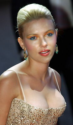 Scarlett Johansson With Strong Makeup 8x10 Picture Celebrity Print